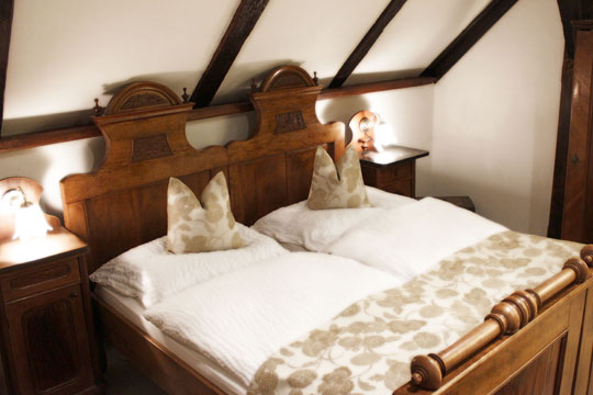 The guest rooms of the Hotel-Pension Bachtaverne in Weyregg am Attersee