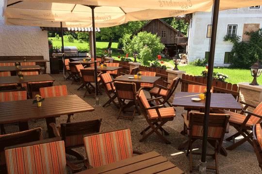 Pub Garden - Restaurant Bachtaverne in Weyregg am Attersee
